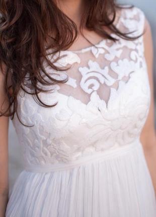 Изысканное вечернее/свадебное платье