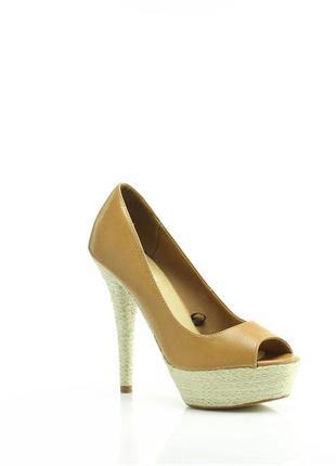 Туфли на высоком каблуке 38, 39р, bershka