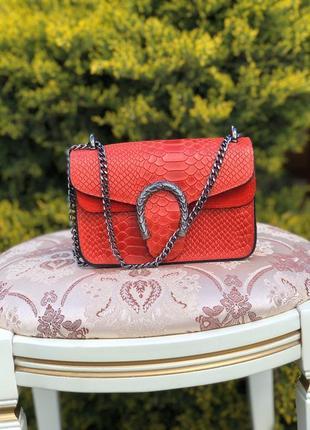 Кожаная сумочка в стиле gucci красная