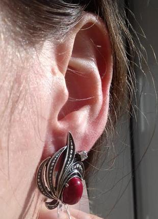 Серебряные  серьги с красным кораллом