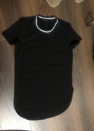 Удлиненная черная футболка new look