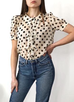 Красивая шифоновая блуза с рюшей в крупный горох