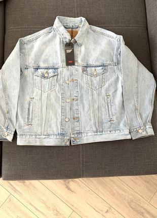 Новая джинсовая куртка levi's
