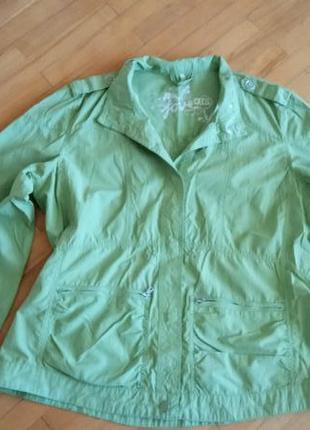 Стильна легенька курточка на кнопках cecil xl