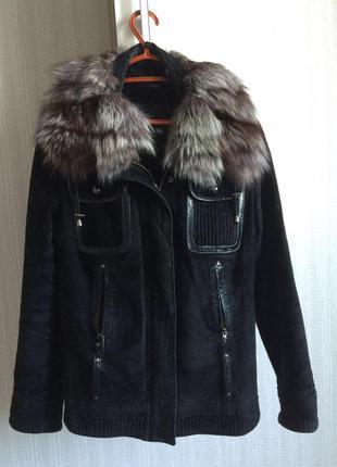 Осенне-весенняя замшевая курточка