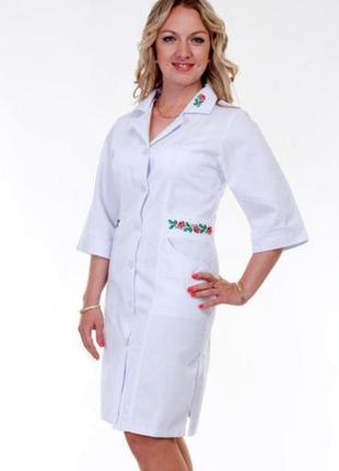 Белый халат медицинский с вышивкой, коттон, р.46,54,56; женская медицинская одежда,893124