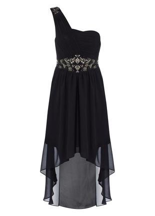 Вечернее платье с асиметричным подолом
