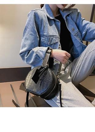 Мини сумочка клатч круглая лак