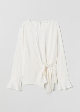 Романтичная блуза кремового цвета длинный рукав
