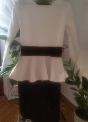 Замечательное платье с баской