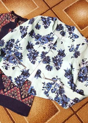 Яркий пиджак цветочный принт