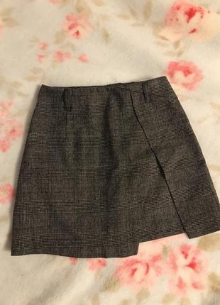 Актуальная/модная мини юбка в клетку серого цвета