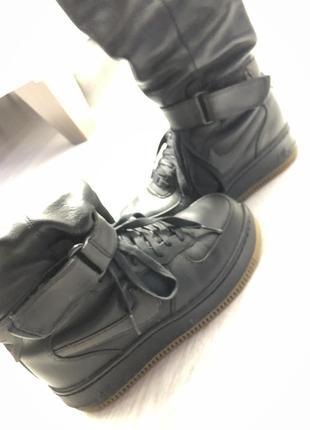 Кожаные осенне-зимние ботинки nike