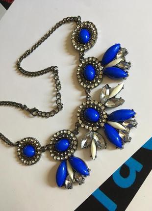 Шикарное ожерелье с камнями