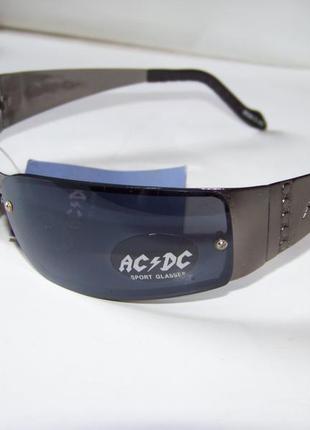 Солнцезащитные очки с черной дымчатой линзой ac/dc