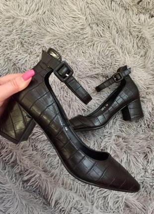 Снова в наличии!!! не пропустите!!! шикарные туфли питон