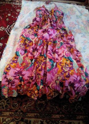 Яркое макси платье