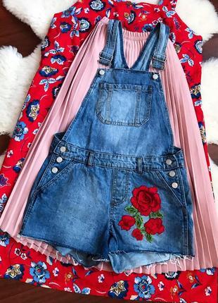 Комбинезон , джинсовый комбинезон с вышивкой