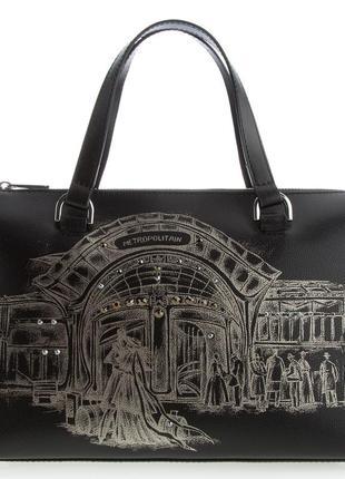 Нереальная фирменнная кожная сумка с кристалами swarovski