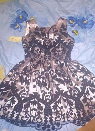 Шикарное платье вечернее с подъюбником гипюровое с велюром м-л,44-46