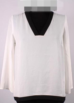 Блуза біла рукава розширені знизу