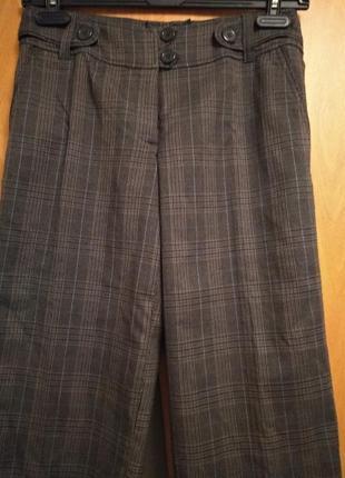 Стильные капри с карманами.  размер 12