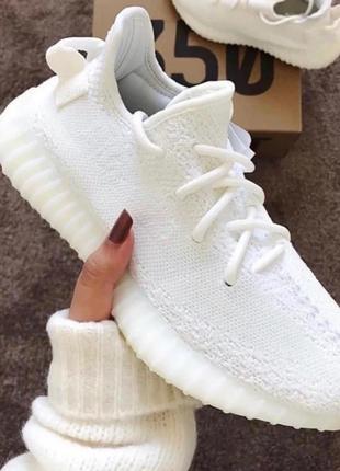 Женские кроссовки adidas yeezy boost 350 v2 white