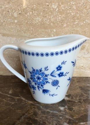 Сливочник с голубыми цветочками