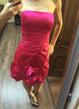 Яркое платье karen millen