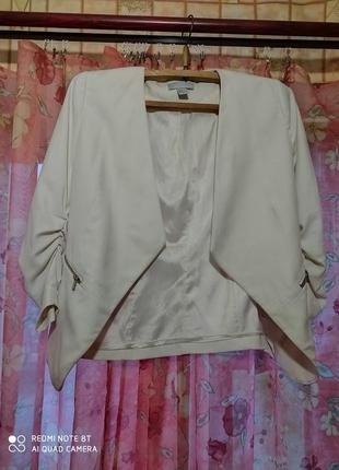 Пиджак молочного цвета