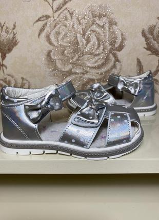 Обувь детская на девочку босоножки