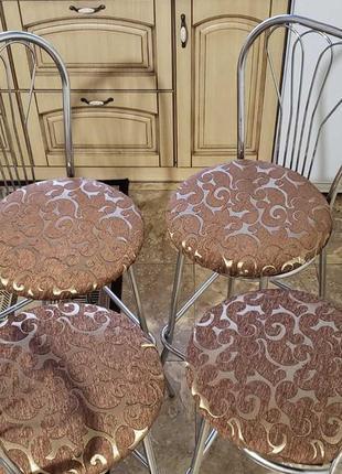 Чехлы на круглые стулья