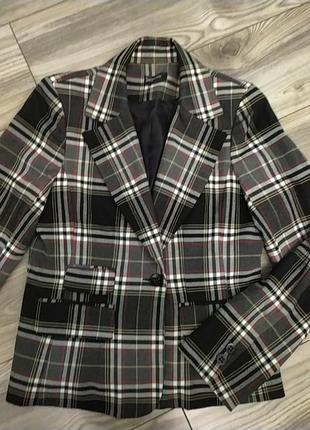 Стильный пиджак жакет в клетку