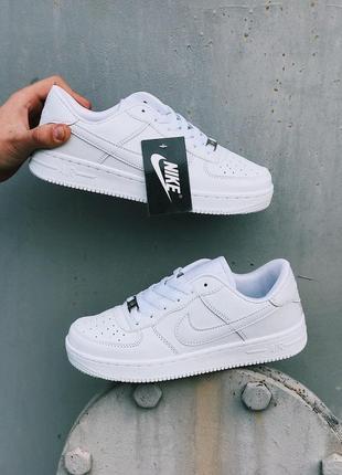 Nike air force 1 low стильные женские кроссовки найк белые1 фото