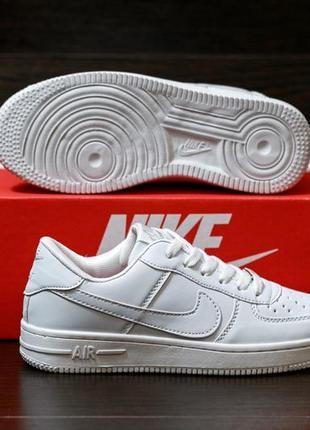Nike air force 1 low стильные женские кроссовки найк белые5 фото