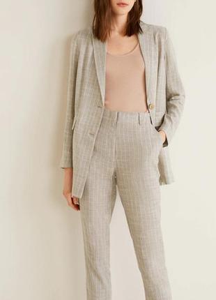 Стильный льняной пиджак и брюки в полоску mango