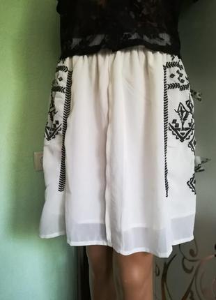 Красивейшая шифоновая юбка с вышивкой