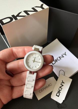 Часы dkny (donna karan new york)