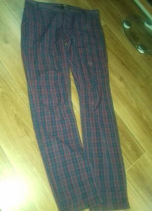 Класні брюки-узкачі