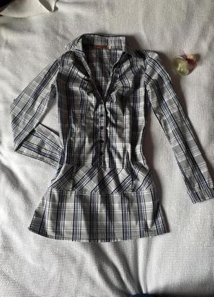 Хлопковая рубашка серая в клетку удлиненная
