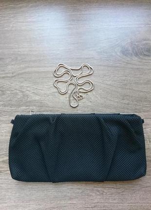 Новый текстильный черный клатч на серебристой тонкой цепочке
