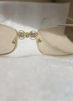Стильные солнцезащитные очки с камнями4 фото