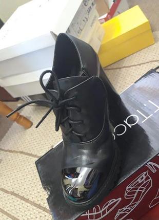 Туфли натуральная кожа високий каблук,туфли на шнурке