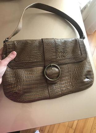 Новая сумка питон, актуальная с маленькой ручной.