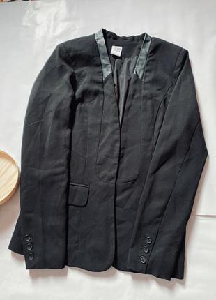 Стильный чёрный пиджак, жакет, длинный пиджак