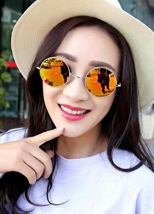 Круглые очки в золотой оправе с желтыми линзами в стиле ray ban
