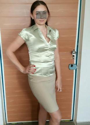 Атласная, нежно-фисташковая блузка