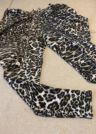 Стильные комфортные леопардовые штаны размер l {46-50}