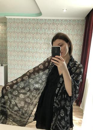 Лёгкий длинный шарф в принт