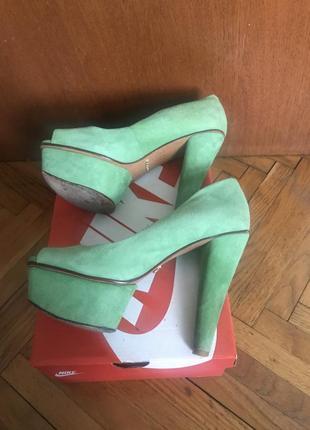 Распродажа !замшевые туфли schutz